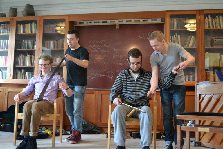 Undervisning i sav Rødding Højskole